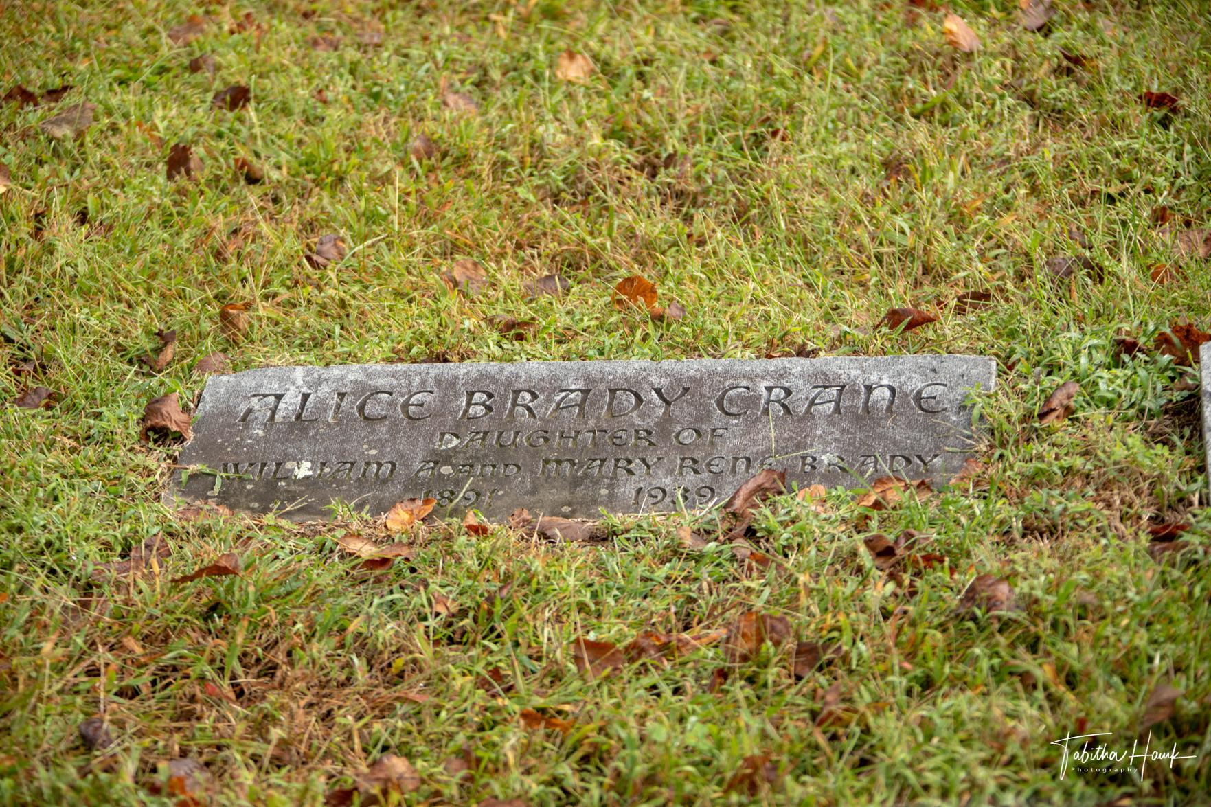 Famous & Infamous Gravesites Tombstones Monuments